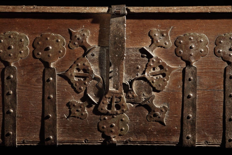 Chest or Stollentruhe, Early 16th Century, German Gothic, Oak Chest, Original In Excellent Condition For Sale In Eversholt, Bedfordshire