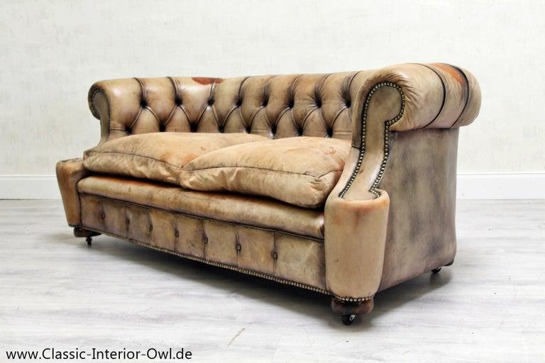 chesterfield garnitur antik sofa club leder couch 2er vintage for sale at 1stdibs