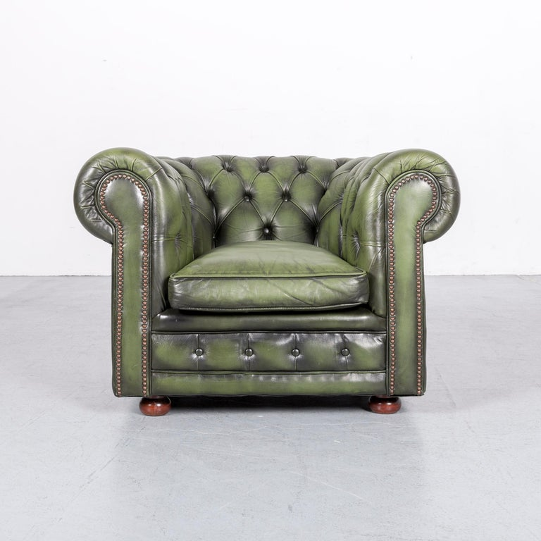 We bring to you an Chesterfield leather armchair green one-seat club-chair.