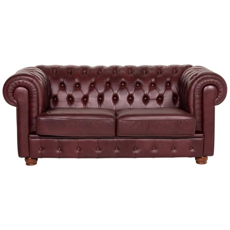Chesterfield Leather Sofa Bordeaux Red Two-Seat Vintage Retro Couch For Sale