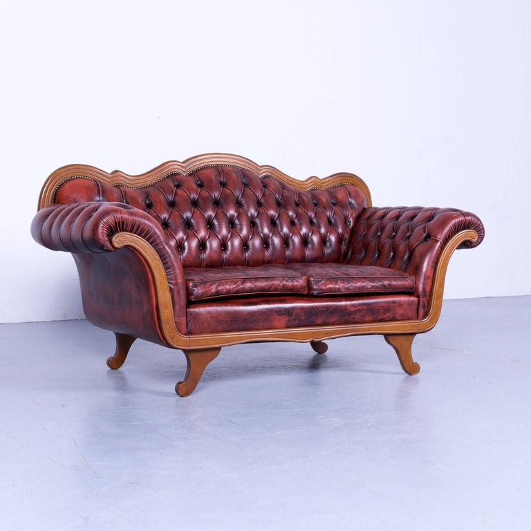 We bring to you an Chesterfield leather sofa red brown three-seat couch vintage.