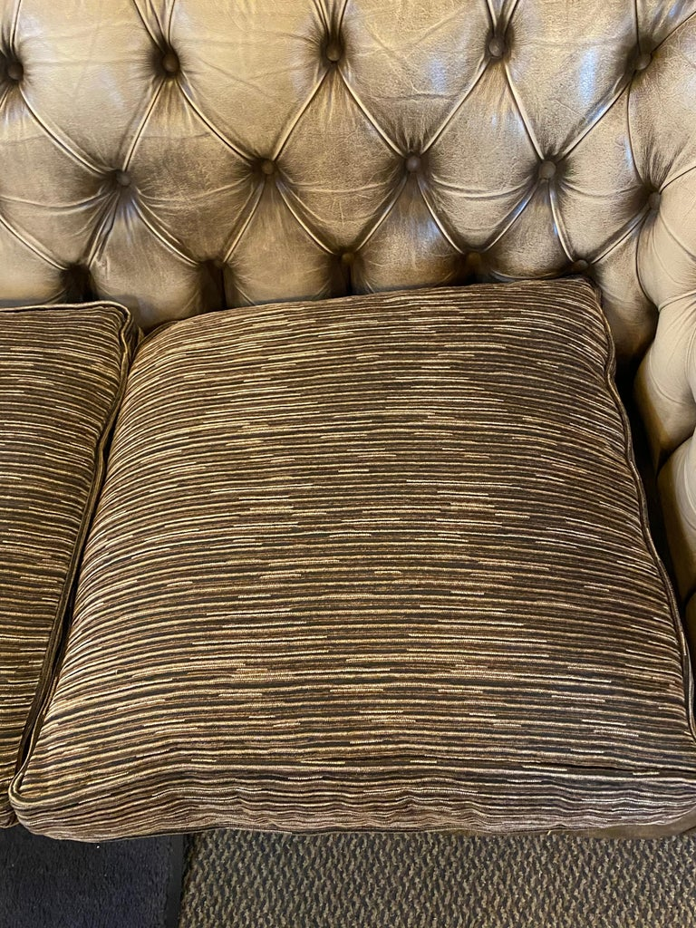Chesterfield Leather Upholstered Loveseat Sofa 8