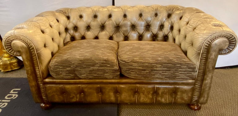 Chesterfield Leather Upholstered Loveseat Sofa 12