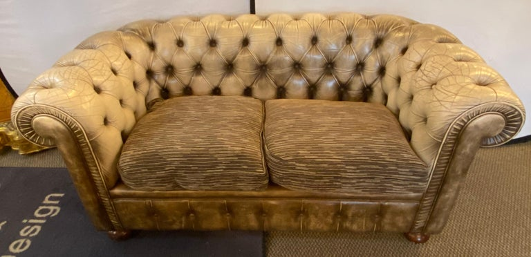 Chesterfield Leather Upholstered Loveseat Sofa In Good Condition In Stamford, CT
