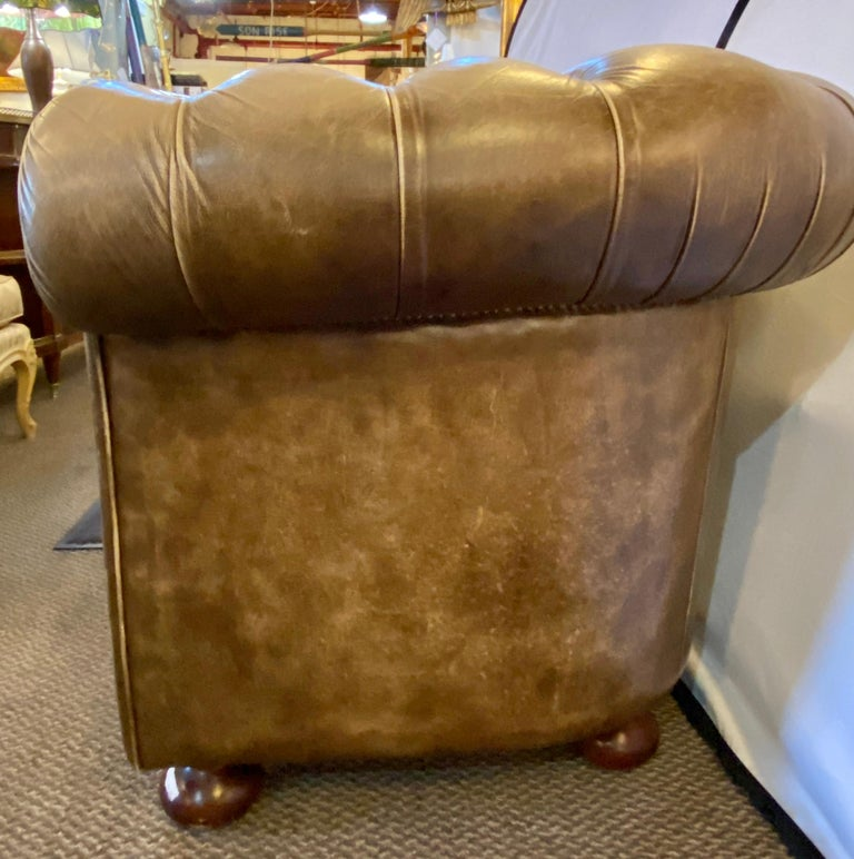 Chesterfield Leather Upholstered Loveseat Sofa 3