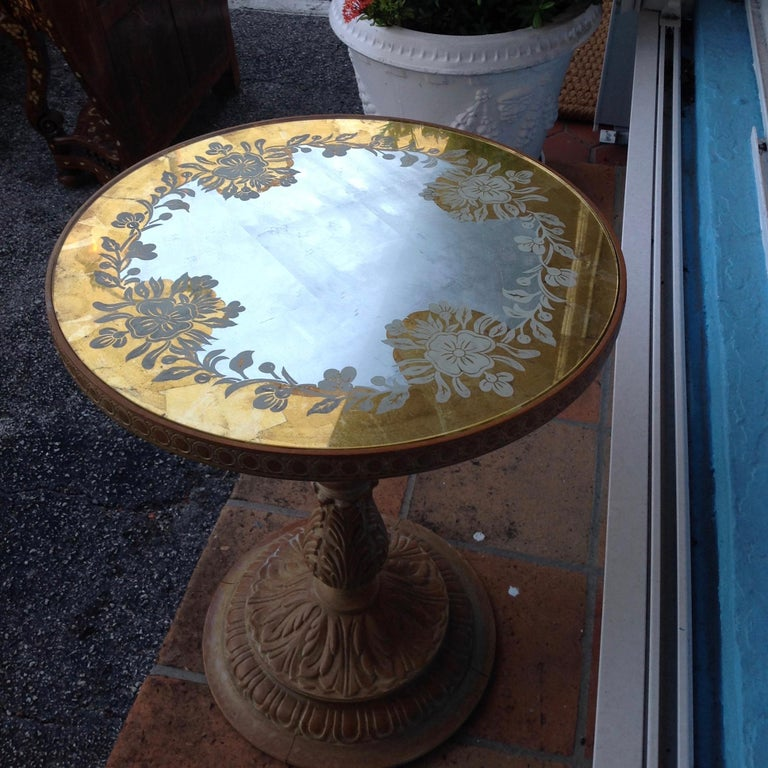 Chic 1940s Reverse Painted Table In Good Condition For Sale In West Palm Beach, FL