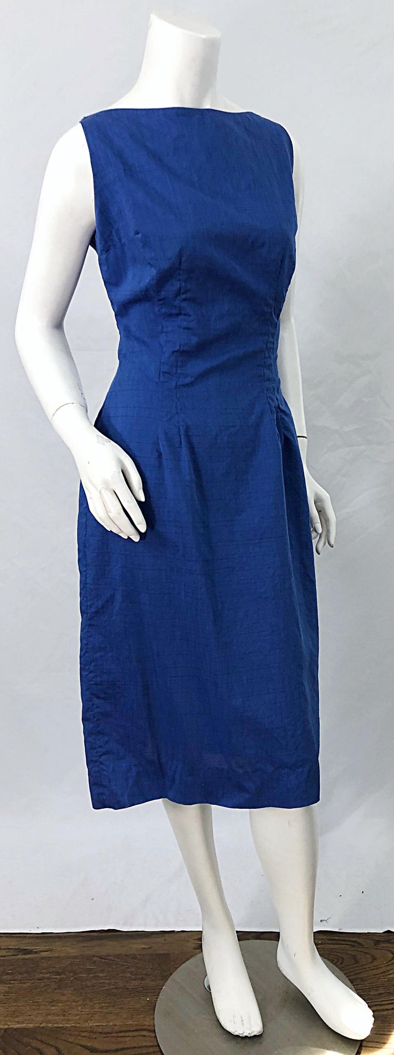 Chic 1950s Cobalt Blue Cotton High Neck Vintage 50s Sleeveless Wiggle Dress For Sale 7