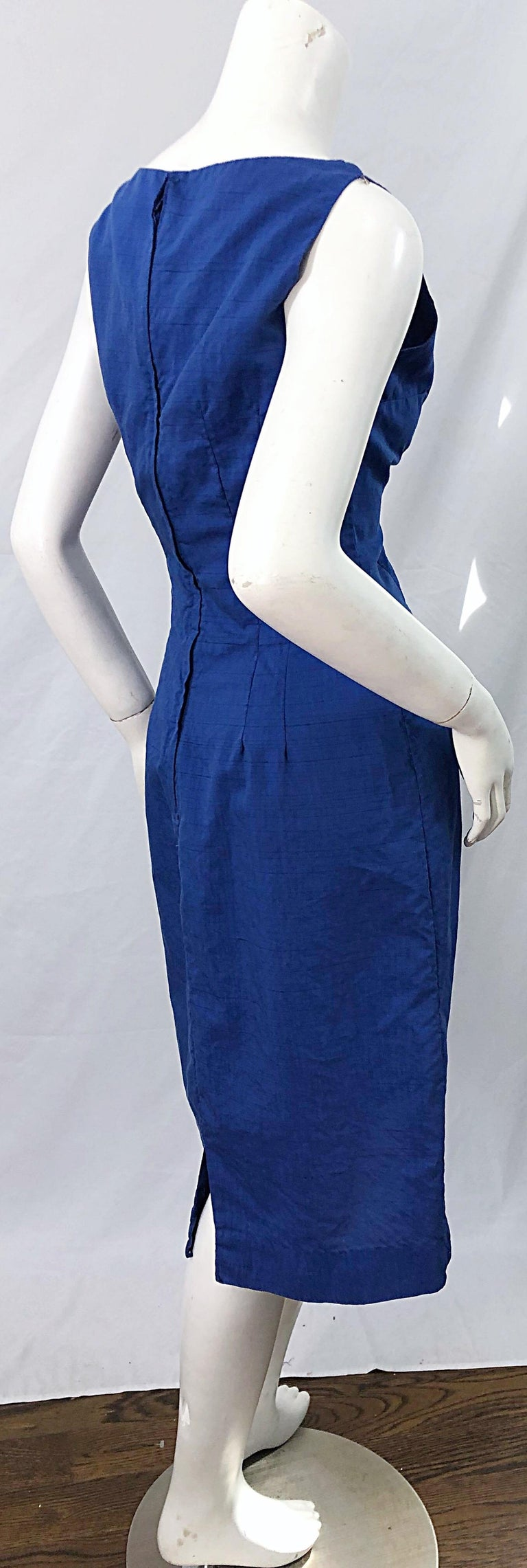 Chic 1950s Cobalt Blue Cotton High Neck Vintage 50s Sleeveless Wiggle Dress For Sale 2