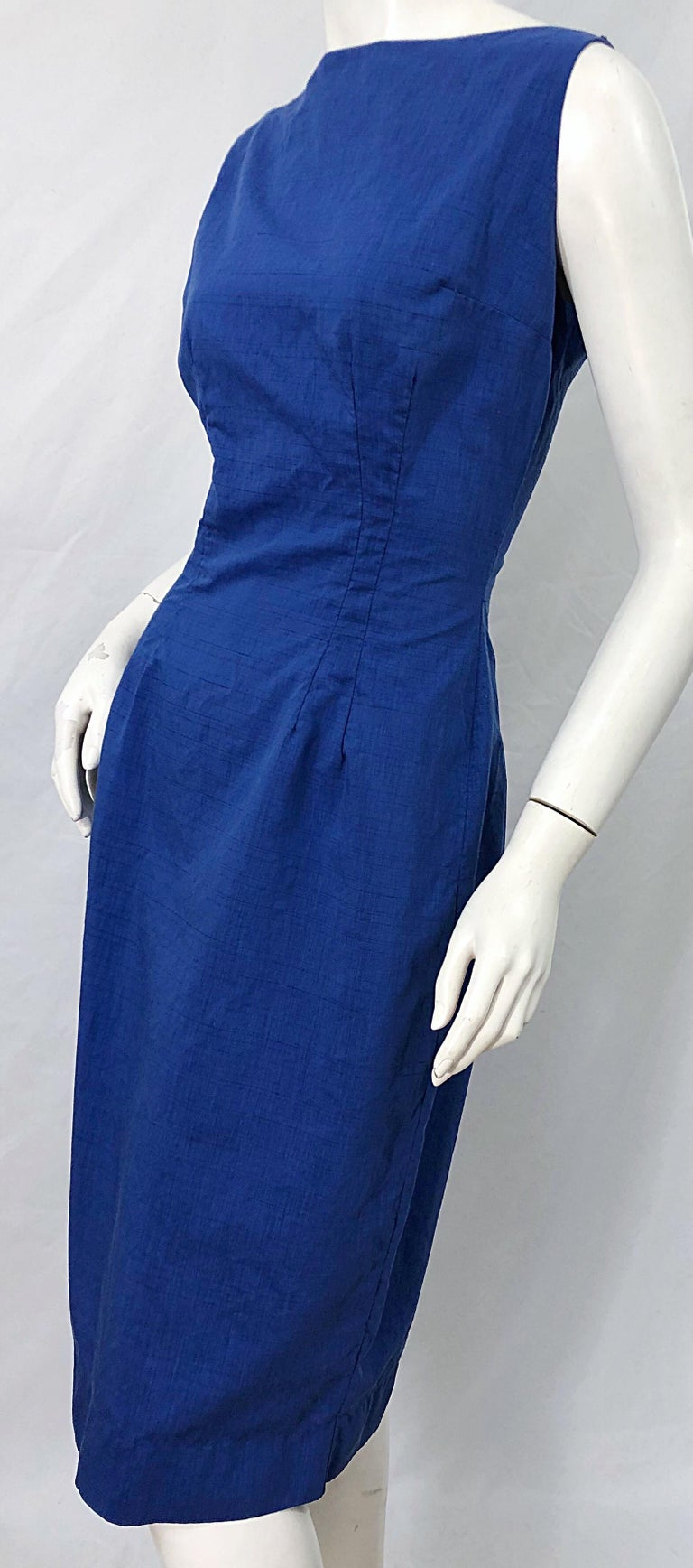 Chic 1950s Cobalt Blue Cotton High Neck Vintage 50s Sleeveless Wiggle Dress For Sale 4