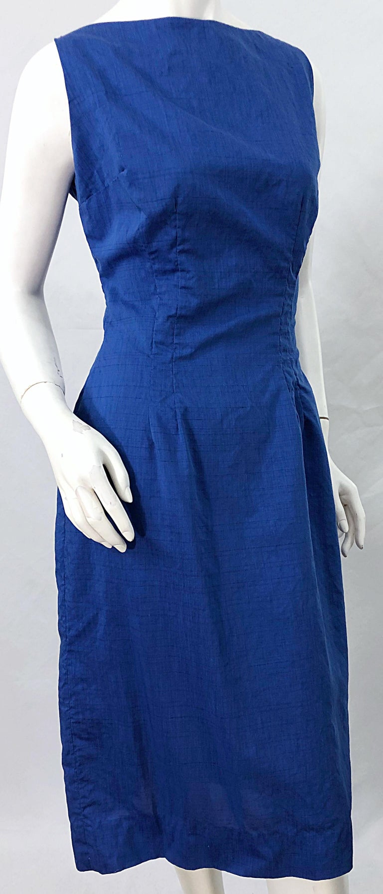 Chic 1950s Cobalt Blue Cotton High Neck Vintage 50s Sleeveless Wiggle Dress For Sale 5