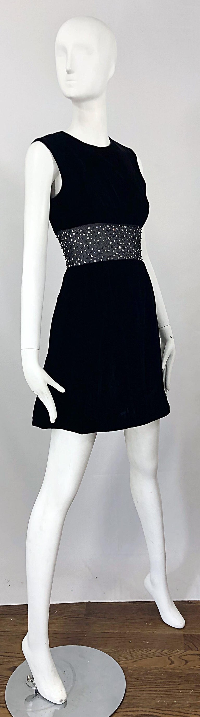 Chic 1960s Black Velvet Cut - Out Rhinestone Beaded Vintage 60s A Line Dress For Sale 2