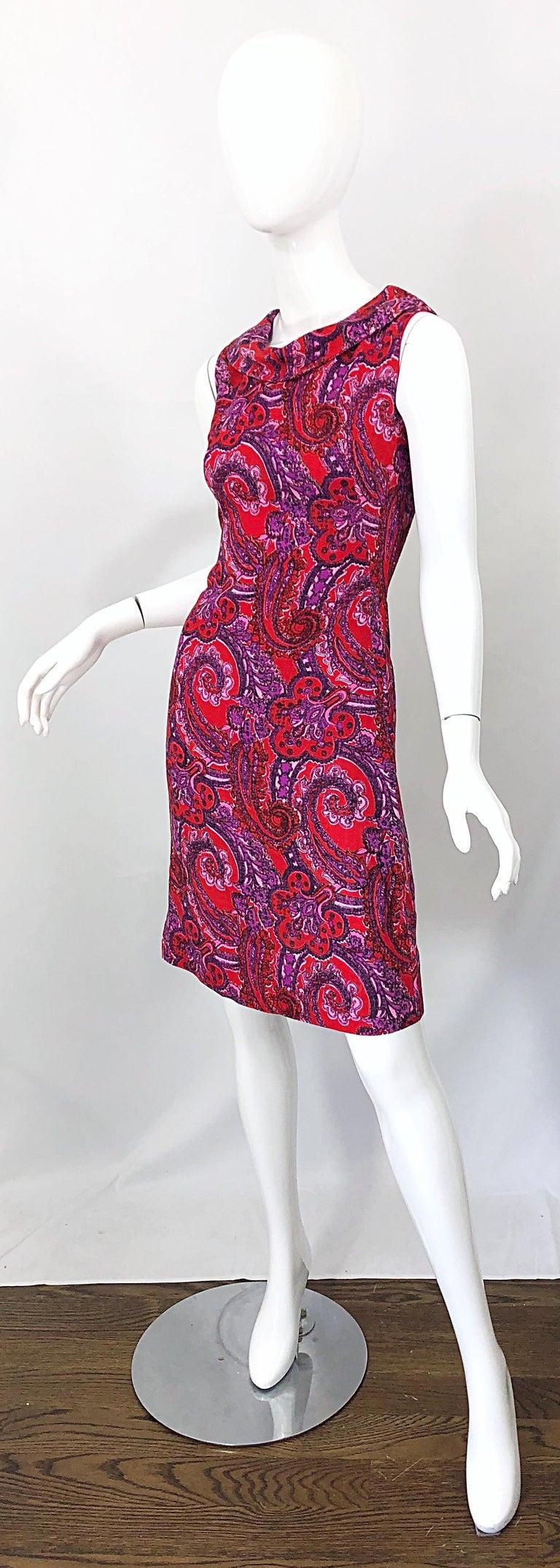Chic 1960s Irish Linen Pink + Red + Purple Paisley Vintage 60s Mod Shift Dress For Sale 6