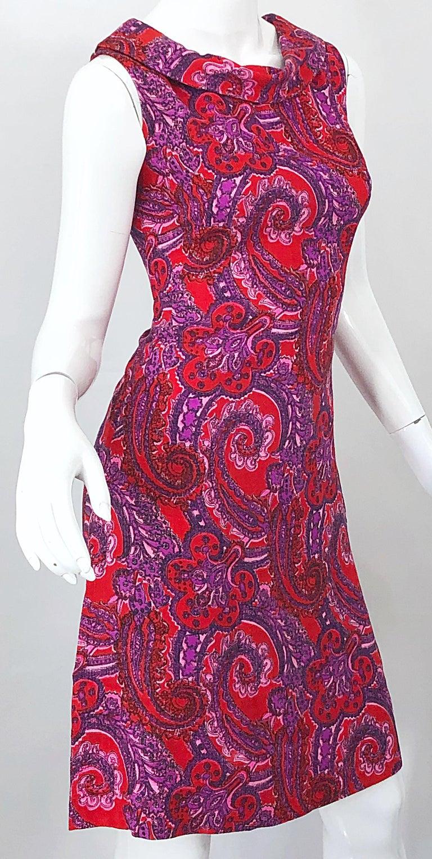 Chic 1960s Irish Linen Pink + Red + Purple Paisley Vintage 60s Mod Shift Dress For Sale 7