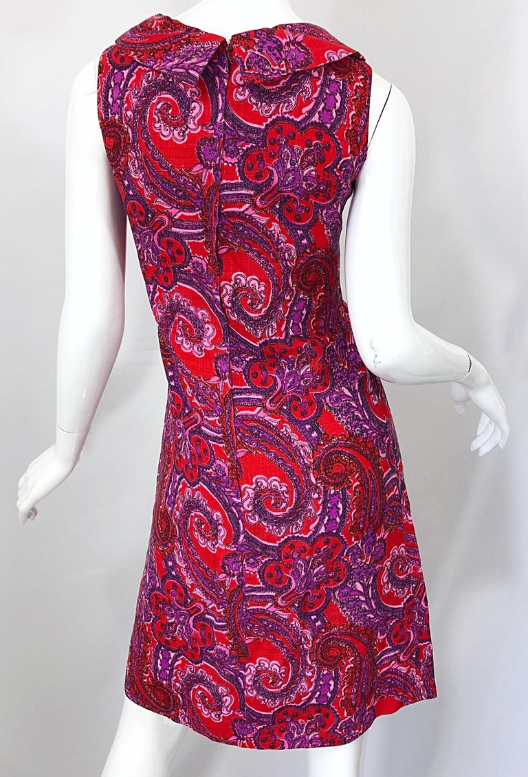 Chic 1960s Irish Linen Pink + Red + Purple Paisley Vintage 60s Mod Shift Dress For Sale 8