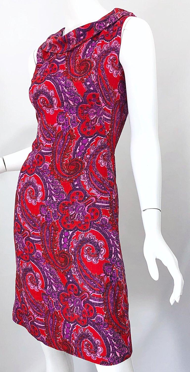 Chic 1960s Irish Linen Pink + Red + Purple Paisley Vintage 60s Mod Shift Dress For Sale 2
