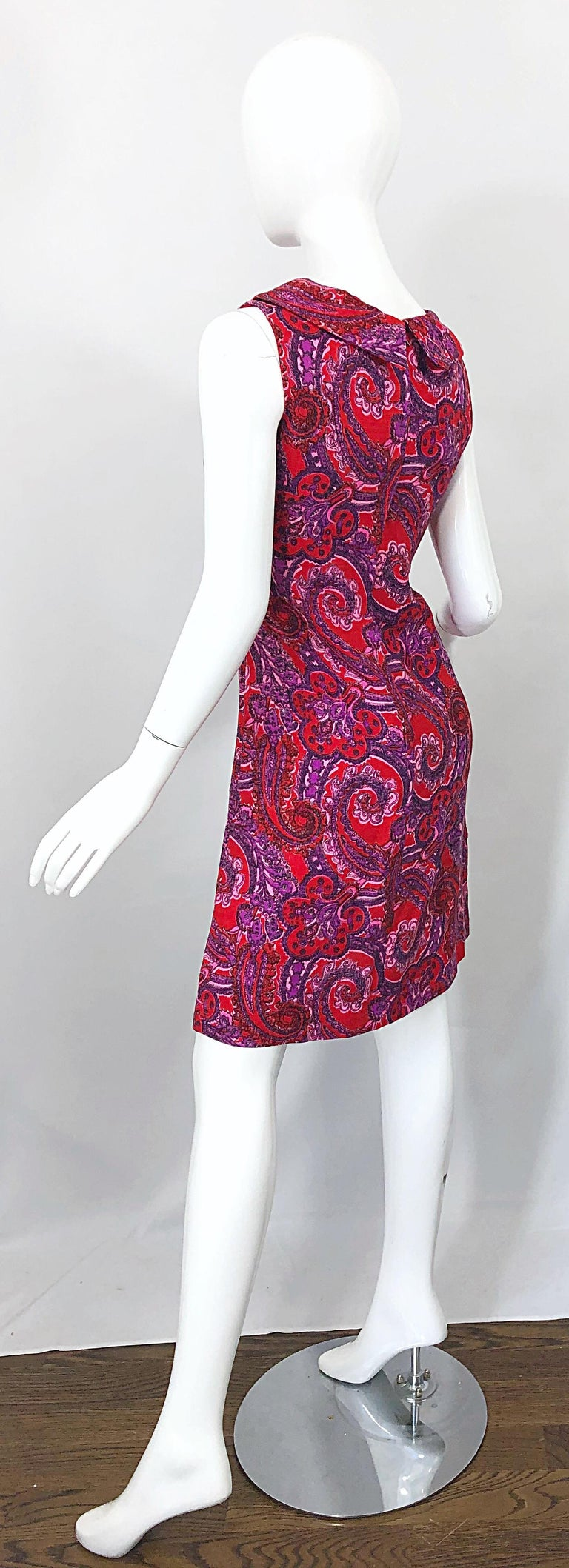 Chic 1960s Irish Linen Pink + Red + Purple Paisley Vintage 60s Mod Shift Dress For Sale 5