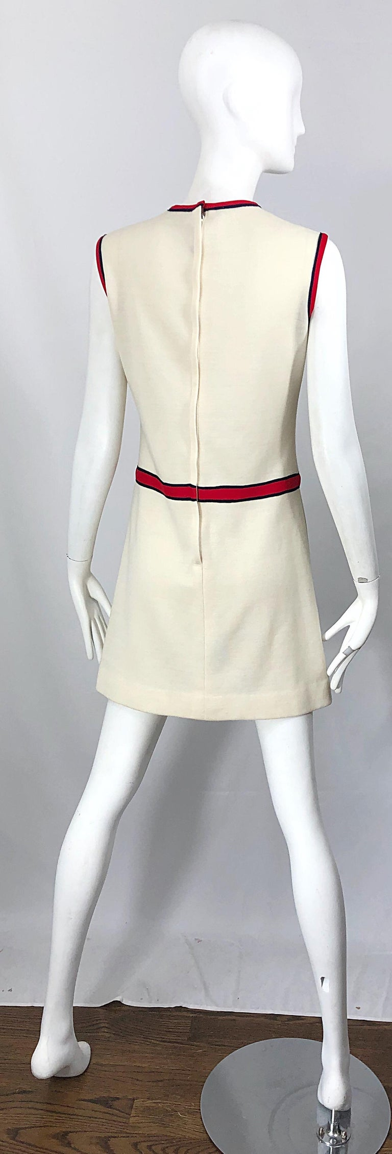 Chic 1960s Ivory + Navy Blue + Red Knit Vintage 60s Nautical Mod Shift Dress For Sale 7