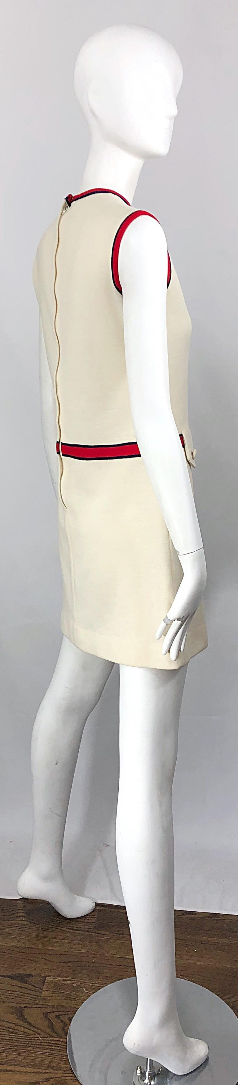 Chic 1960s Ivory + Navy Blue + Red Knit Vintage 60s Nautical Mod Shift Dress In Good Condition For Sale In Chicago, IL