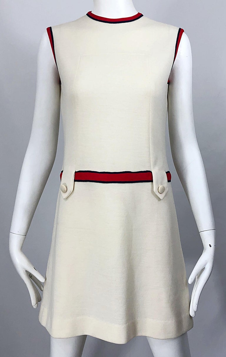 Chic 1960s Ivory + Navy Blue + Red Knit Vintage 60s Nautical Mod Shift Dress For Sale 1