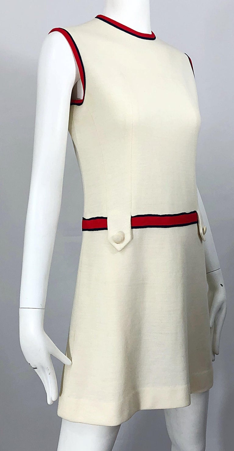 Chic 1960s Ivory + Navy Blue + Red Knit Vintage 60s Nautical Mod Shift Dress For Sale 2