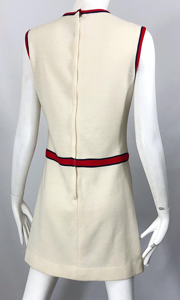 Chic 1960s Ivory + Navy Blue + Red Knit Vintage 60s Nautical Mod Shift Dress For Sale 3