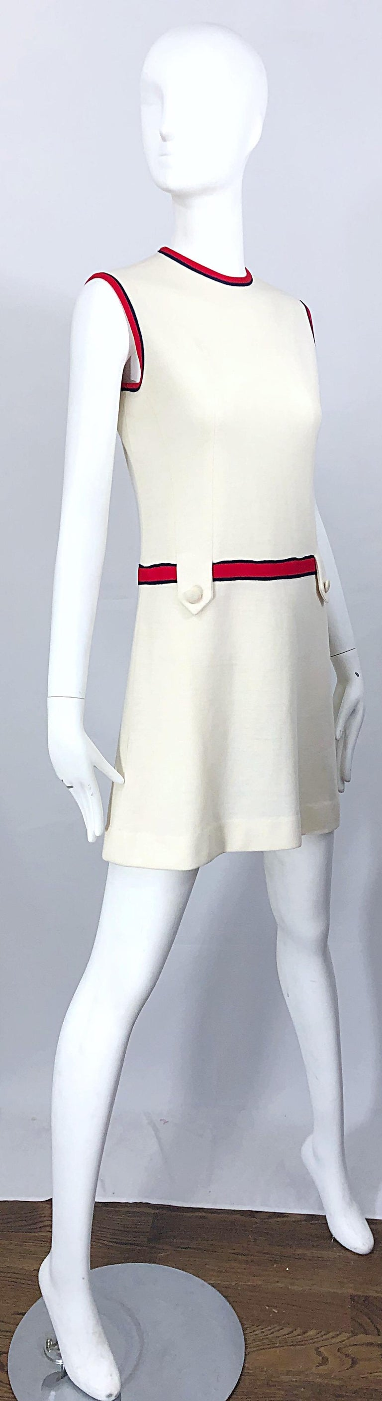 Chic 1960s Ivory + Navy Blue + Red Knit Vintage 60s Nautical Mod Shift Dress For Sale 4