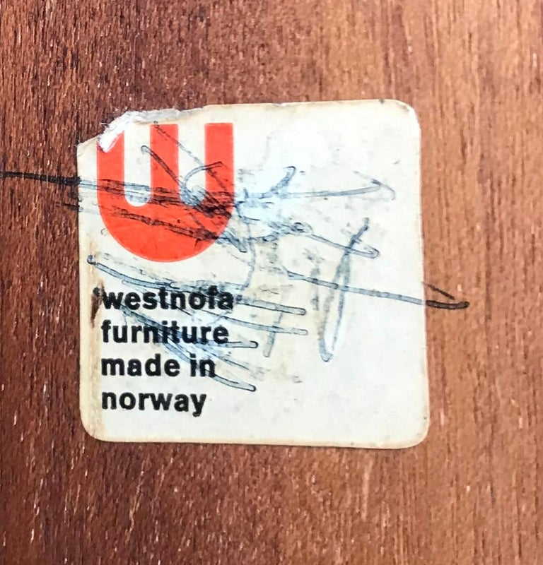 Chic 1960s Westnofa Modern Rosewood Cocktail Table, Norway In Excellent Condition For Sale In Washington, DC