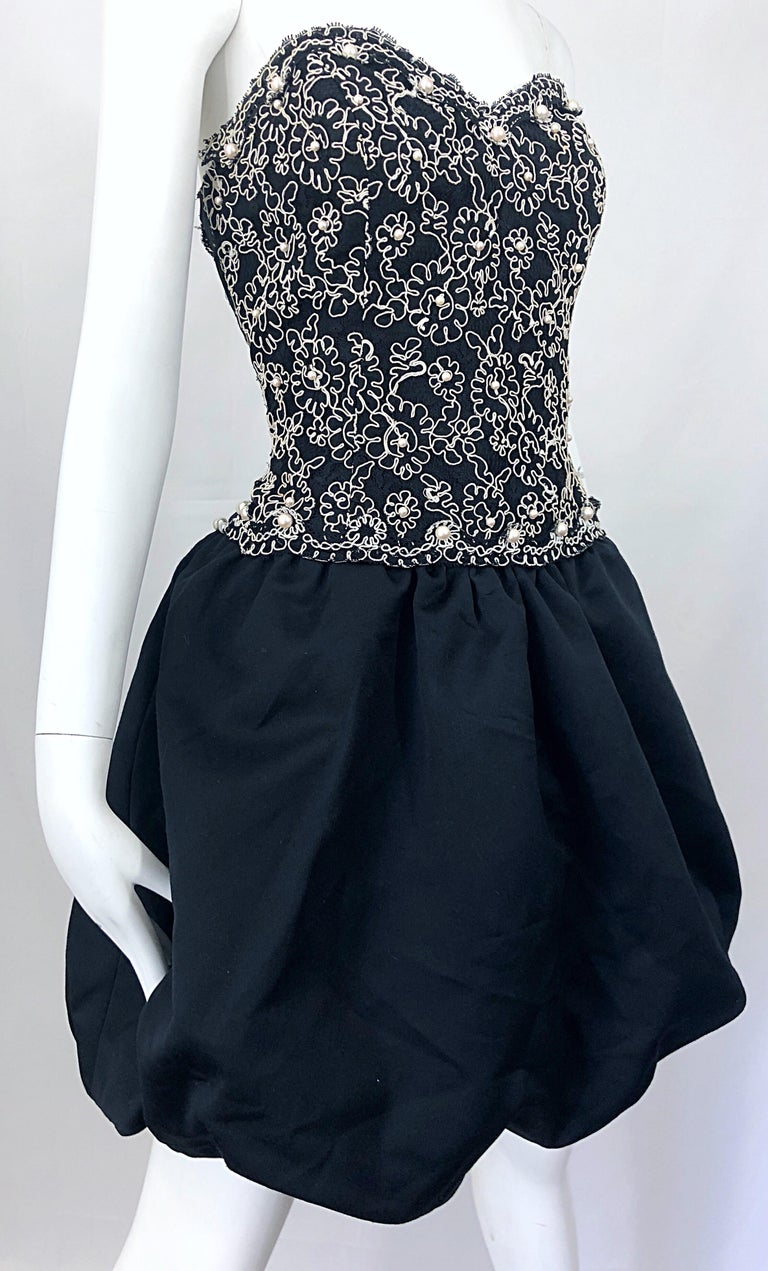Chic 1980s Size 12 Strapless Pearl Encrusted Black and White Pouf Vintage Dress For Sale 6