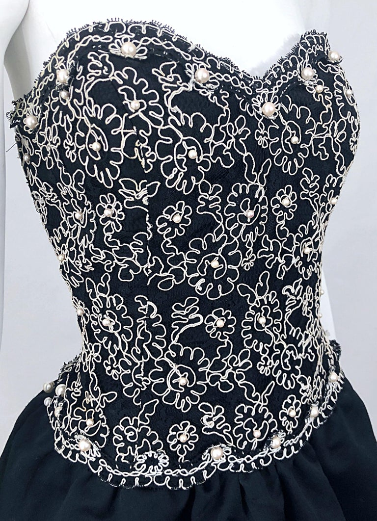 Chic 1980s Size 12 Strapless Pearl Encrusted Black and White Pouf Vintage Dress For Sale 8