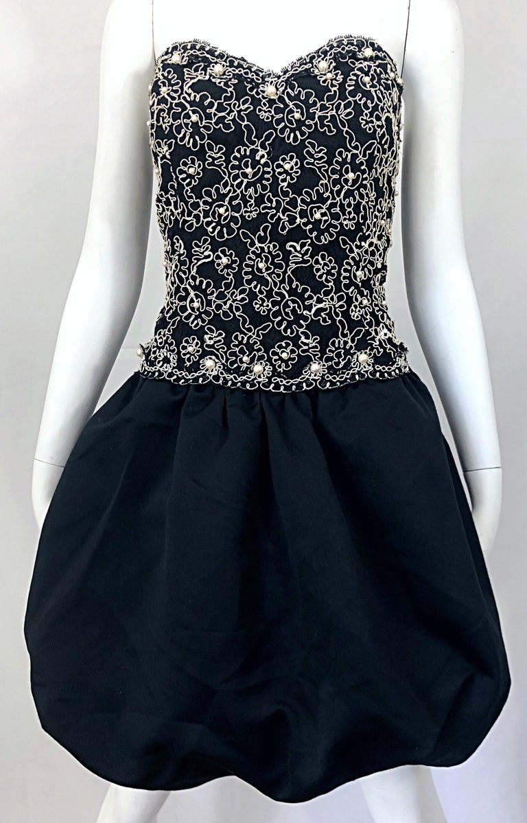 Chic 1980s Size 12 Strapless Pearl Encrusted Black and White Pouf Vintage Dress For Sale 9