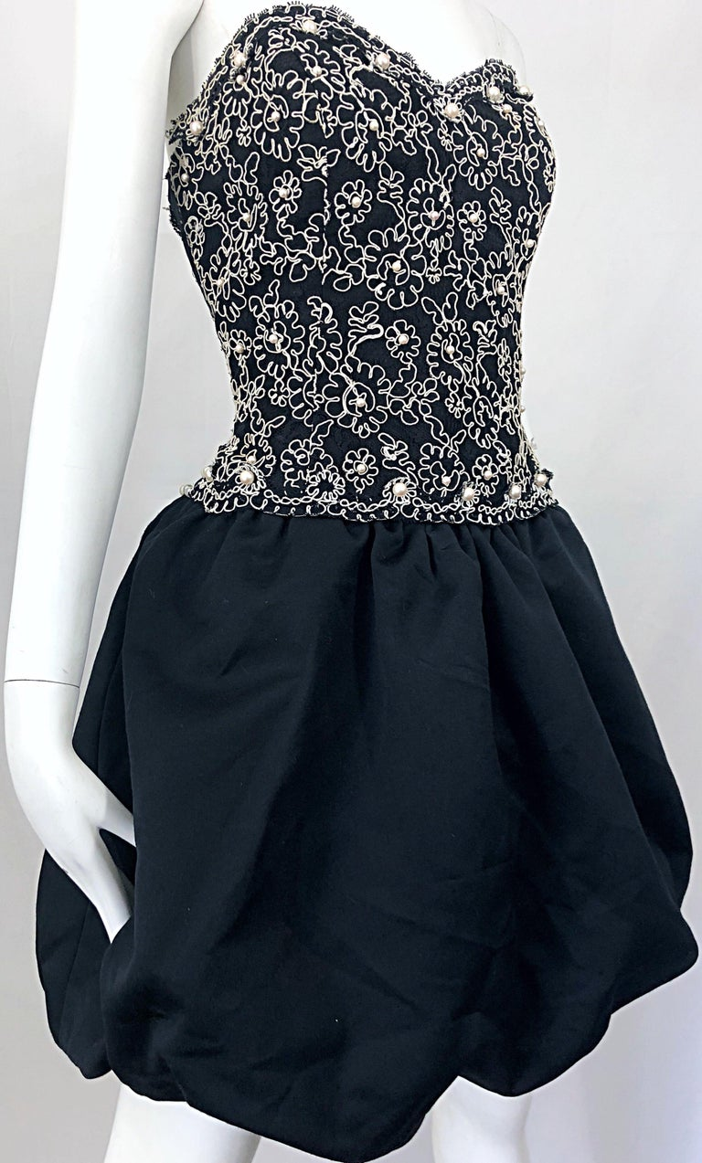 Chic 1980s Size 12 Strapless Pearl Encrusted Black and White Pouf Vintage Dress For Sale 11