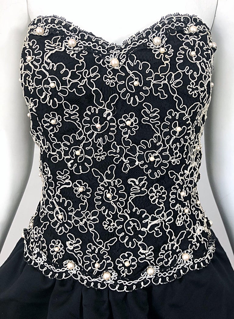 Chic 1980s Size 12 Strapless Pearl Encrusted Black and White Pouf Vintage Dress In Excellent Condition For Sale In Chicago, IL