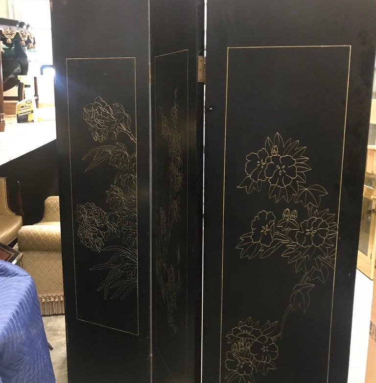 Chic Art Deco, Gilt and Lacquered Chinese Coromandel Screen For Sale 7