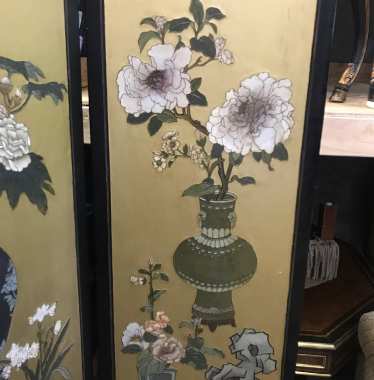 Chic Art Deco, Gilt and Lacquered Chinese Coromandel Screen For Sale 1