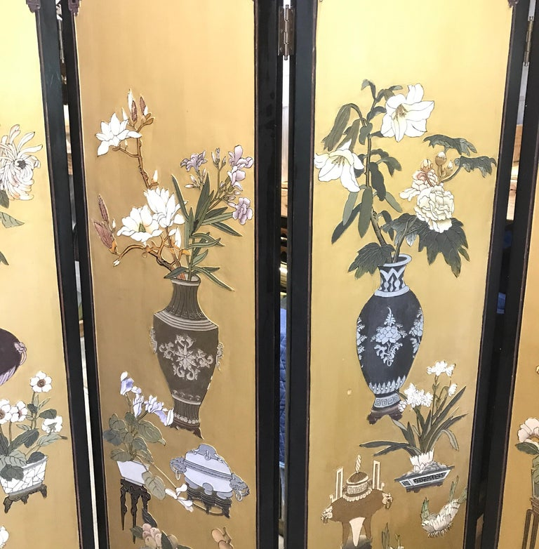 Chic Art Deco, Gilt and Lacquered Chinese Coromandel Screen For Sale 3