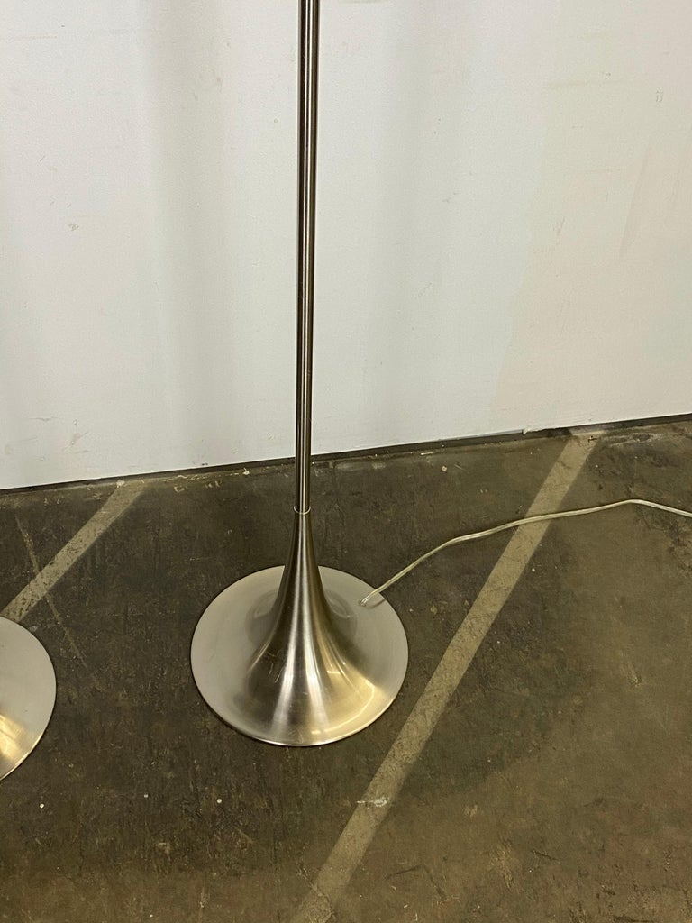 Chic Mid-Century Modern Style Floor Lamps with Tulip Base and Barrel Shades 1