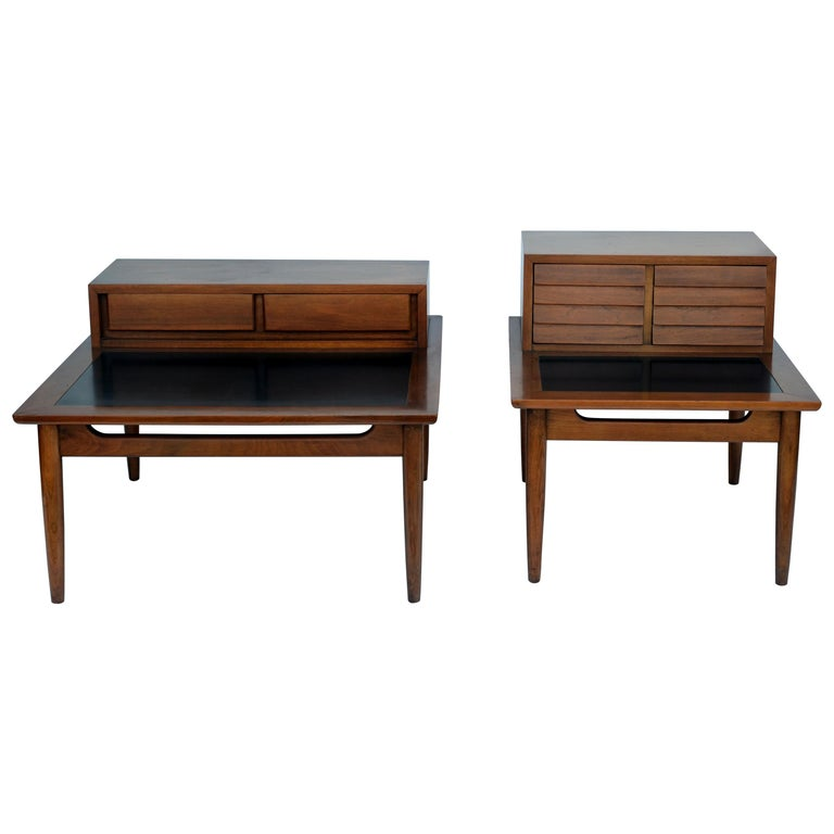 Chic pair of Mid-Century Side Tables by American of Martinsville For Sale
