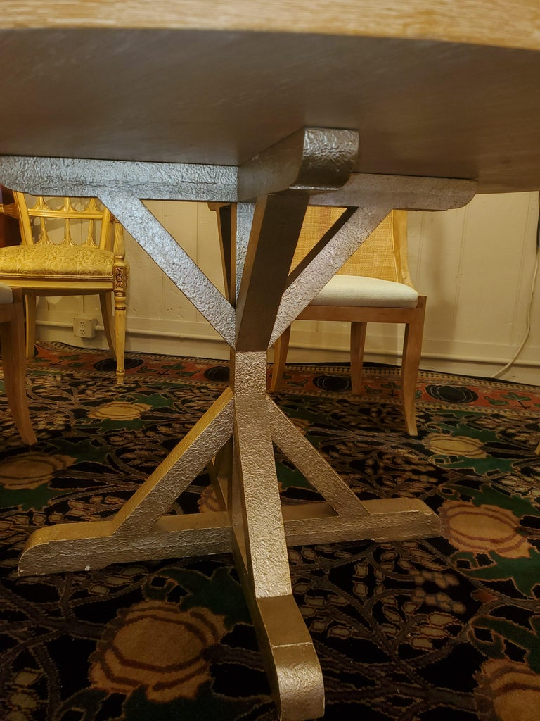 Chic Round Contemporary Blonde Oak & Gilt Dining Table For Sale 1
