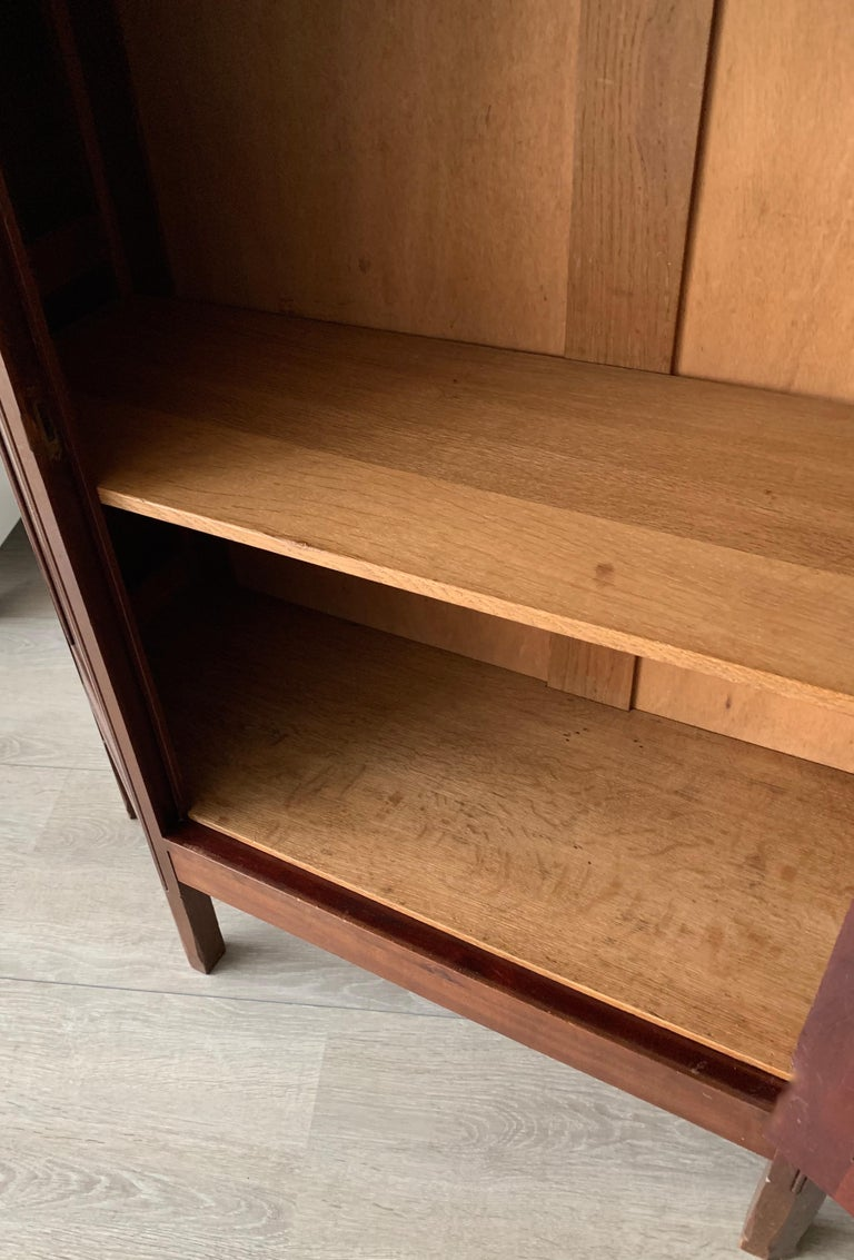 Chic and Stylish Solid Mahogany Dutch Arts & Crafts Display Cabinet / Showcase For Sale 3