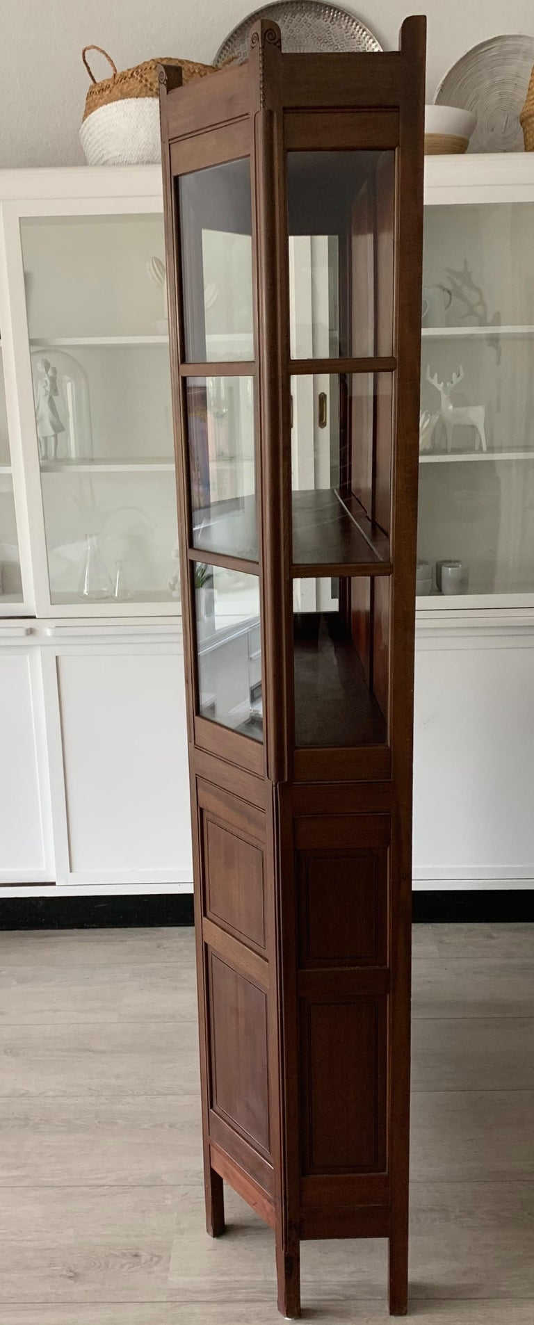 Chic and Stylish Solid Mahogany Dutch Arts & Crafts Display Cabinet / Showcase For Sale 5