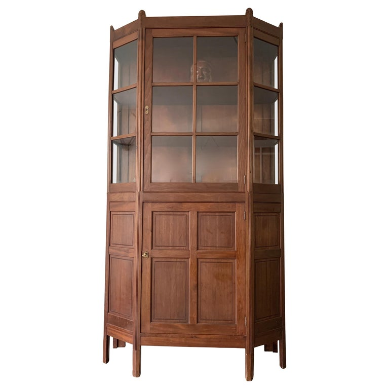 Chic and Stylish Solid Mahogany Dutch Arts & Crafts Display Cabinet / Showcase For Sale