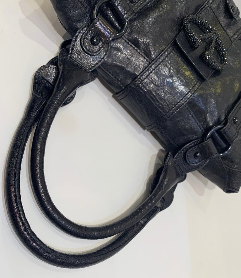 Chic Valentino Metallic Black Leather Catch Purse with Black Crystal Logo Clasp For Sale 7