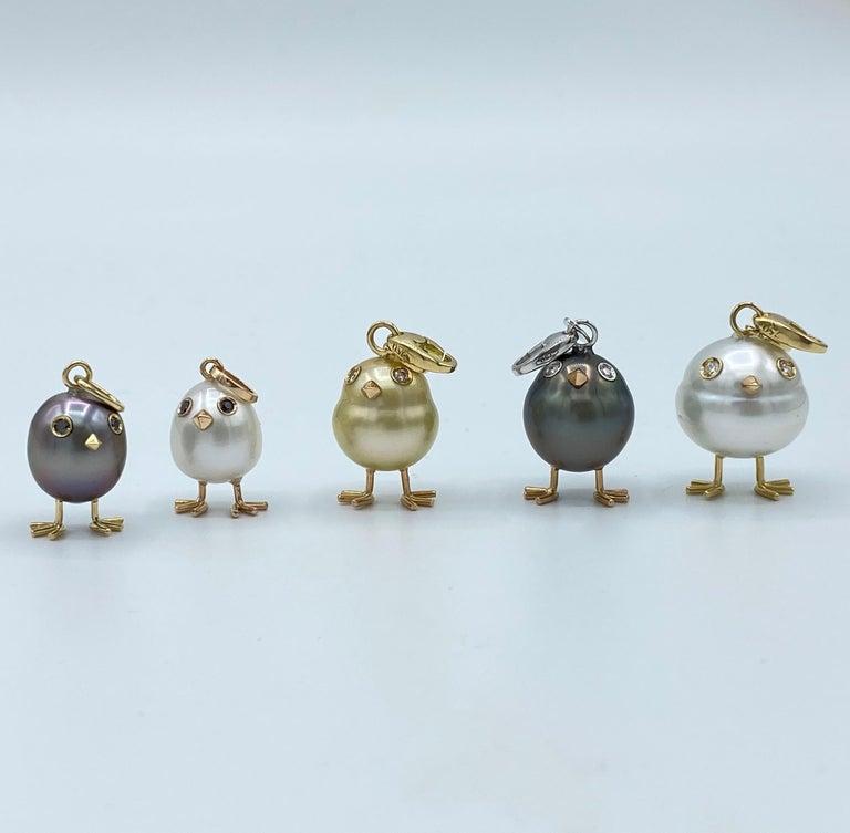 Chick Australian Pearl Black Diamond 18 Karat Gold Pendant Necklace For Sale 4