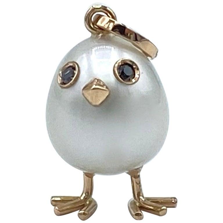 Chick Australian Pearl Black Diamond 18 Karat Gold Pendant Necklace For Sale