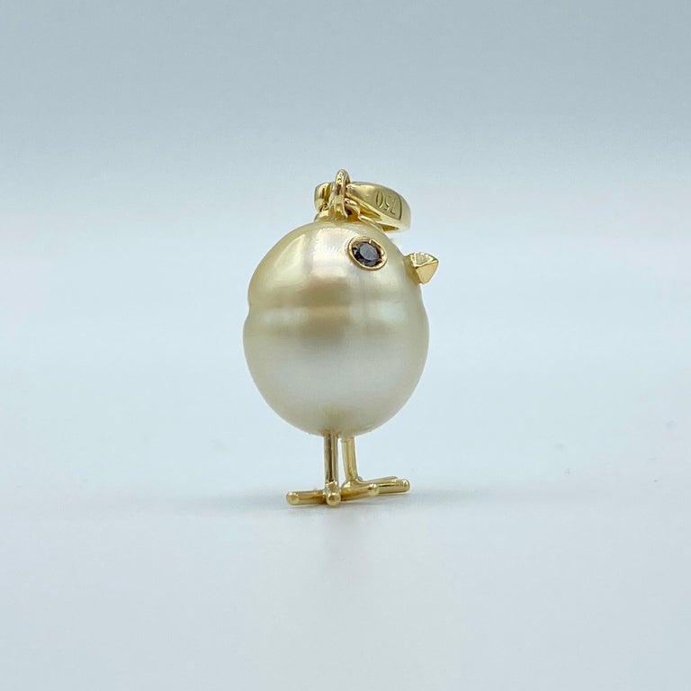 Contemporary Chick Pearl Black Diamond 18 Karat Gold Pendant Necklace or Charm