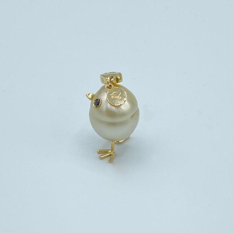 Women's Chick Pearl Black Diamond 18 Karat Gold Pendant Necklace or Charm