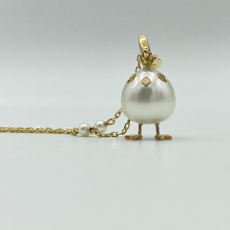 Chick Pearl Diamond 18 Karat Gold Pendant Necklace or Charm Made in Italy For Sale 1