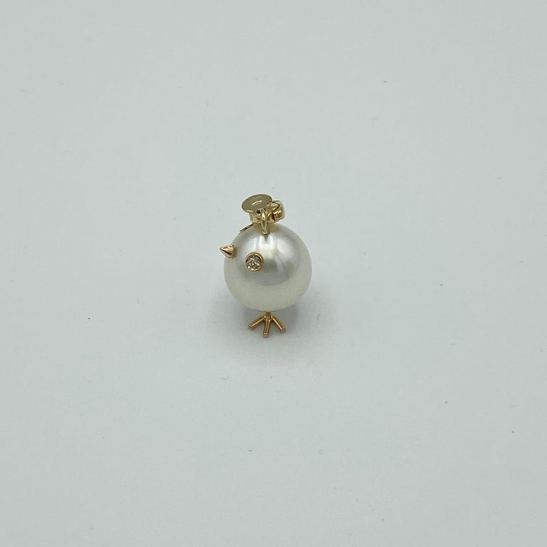 Chick Pearl Diamond 18 Karat Gold Pendant Necklace or Charm Made in Italy For Sale 4