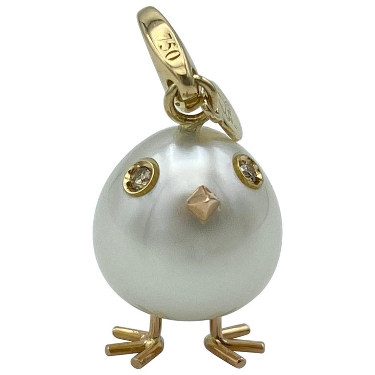 Chick Pearl Diamond 18 Karat Gold Pendant Necklace or Charm Made in Italy For Sale
