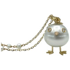 Chick Pearl Diamond 18 Karat Gold Pendant Necklace or Charm Made in Italy